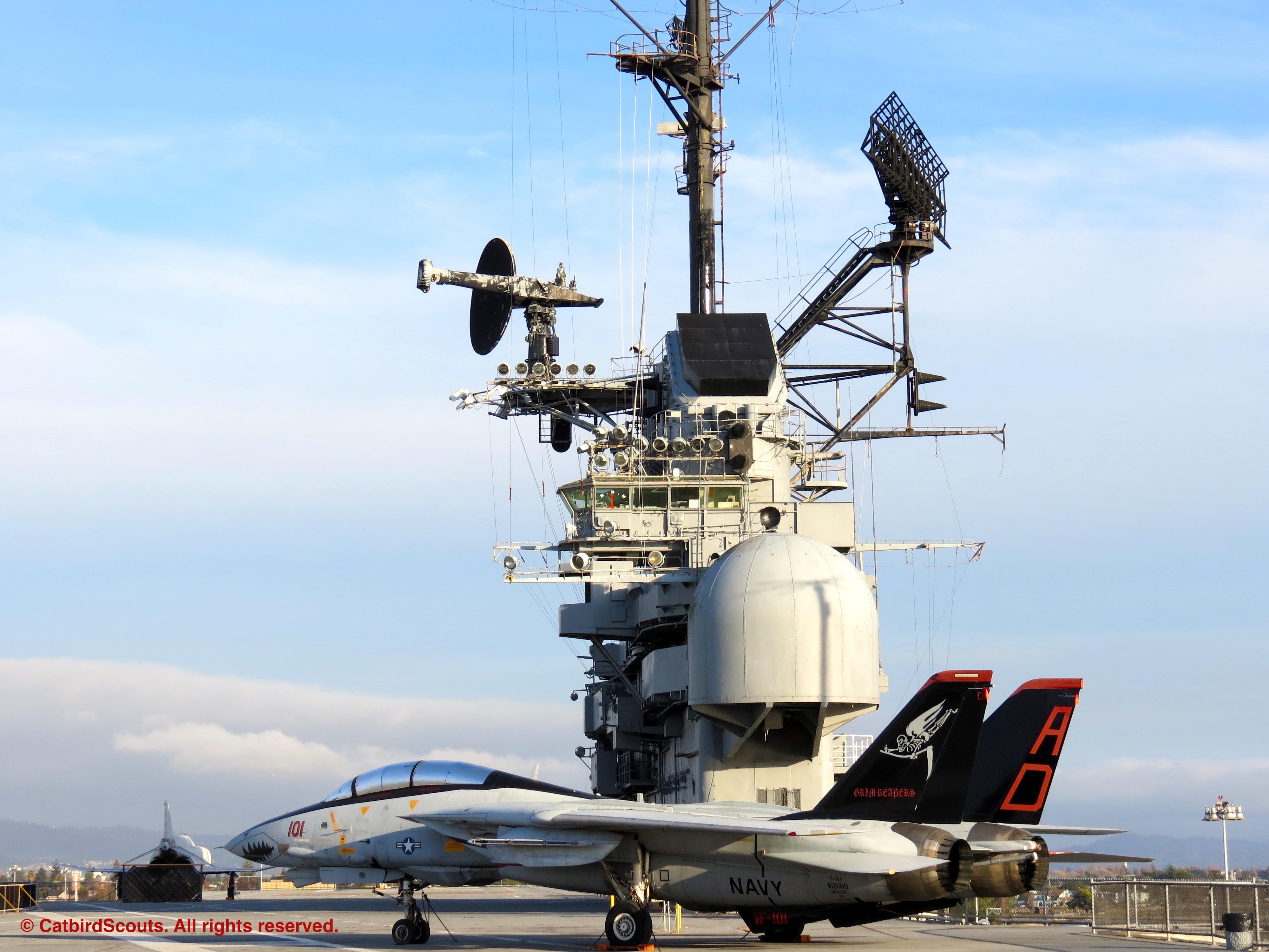 Hornet-on-Flight-Deck-Catbird-Scouts